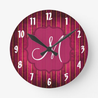 ラズベリーの金ゴールドのストライプのモダンなショッキングピンクの柱時計 ラウンド壁時計