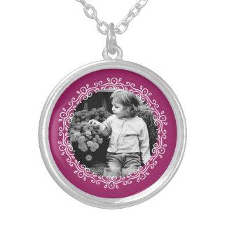 ラズベリーファンシーなフレームのカスタムの写真 シルバープレートネックレス