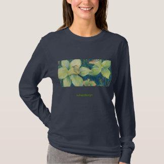 ラッパスイセンのピスタシオのTシャツ Tシャツ