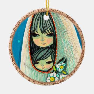 ラッパスイセンのIkeda Shuzoの東洋の女性および子供の芸術 セラミックオーナメント