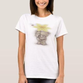 ラッパスイセンのTシャツが付いている愛らしいテディ Tシャツ