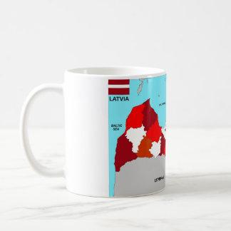 ラトビアの地図の旗 コーヒーマグカップ