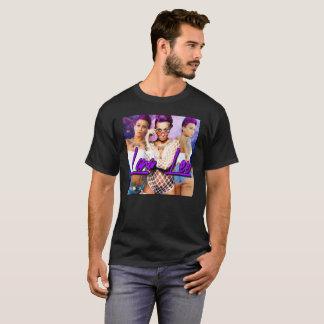ラナリーの紫色の情熱 Tシャツ