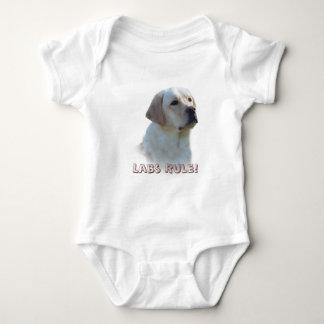 ラブラドル・レトリーバー犬の乳児のクリーパー ベビーボディスーツ