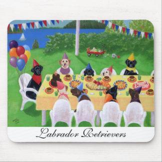 ラブラドールのパーティー マウスパッド