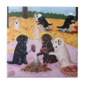 ラブラドールの秋のおもしろいの絵を描くこと タイル