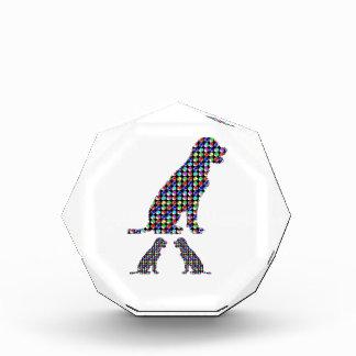 ラブラドール犬の子犬はペットNVN93 navinJOSHIのおもしろいに点を打ちます 表彰盾