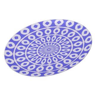 ラベンダーのエキゾチックな花パターン華麗な青 プレート