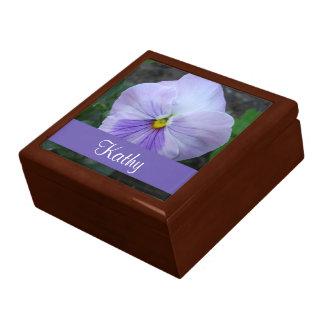ラベンダーのパンジーの花のギフト用の箱 ギフトボックス