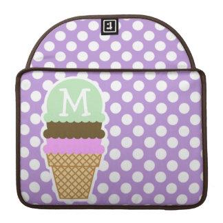 ラベンダーの紫色の水玉模様; アイスクリームコーン MacBook PROスリーブ