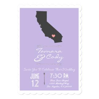 ラベンダーカリフォルニアスカラップで仕上げられた結婚式招待状 カード