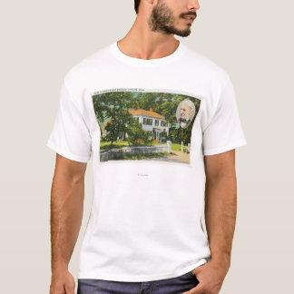 ラルフ・ワルド・エマーソンの家の眺め Tシャツ
