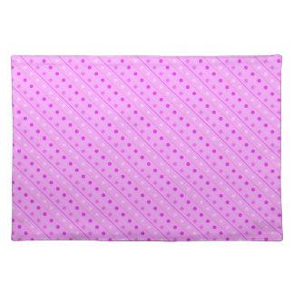 ランチョンマットのショッキングピンクの水玉模様 ランチョンマット