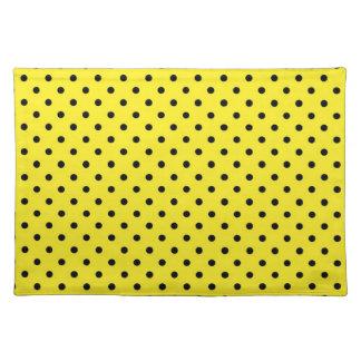 ランチョンマットの熱く黄色い水玉模様 ランチョンマット