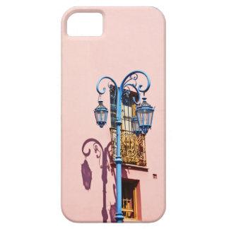 ランプのポストおよび色彩の鮮やかな建物、CaminitoのLa iPhone SE/5/5s ケース