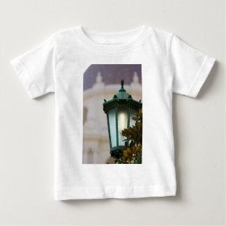 ランプのポスト ベビーTシャツ