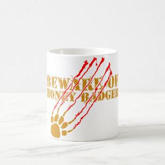 ラーテルの用心して下さい コーヒーマグカップ