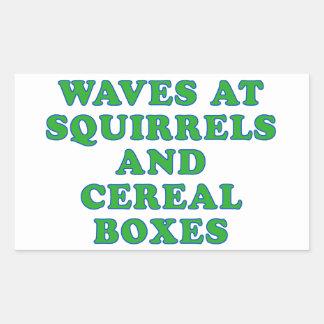 リスおよびシリアルの箱の波 長方形シール