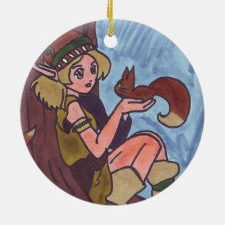 リスを持つ木製の小妖精や小人 セラミックオーナメント