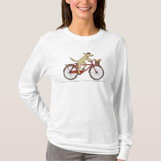 リス-おもしろい動物の芸術を持つサイクリング犬 Tシャツ