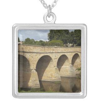 リッチモンド歴史的な橋(最も古いオーストラリア シルバープレートネックレス