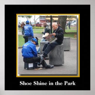 リマ、ペルーの公園の靴の輝やき プリント
