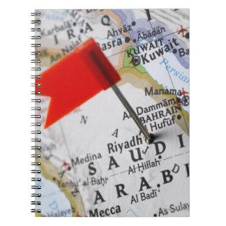 リヤド、地図のサウジアラビアに置かれるピンの地図を描いて下さい ノートブック
