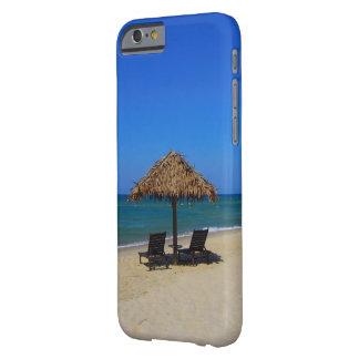 リラックスさせるな熱帯夏のビーチパラソル小屋 BARELY THERE iPhone 6 ケース
