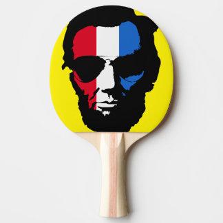 リンカーンのクールなサングラスのポップアート(赤白青) 卓球ラケット