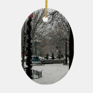 リンカーンスクエア、冬の驚異のLaのGiddingsの広場 セラミックオーナメント
