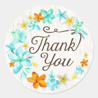 ルアウ(ハワイ式宴会)のビーチのプルメリアのレイはラベル感謝していしています ラウンドシール