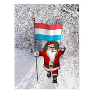 ルクセンブルクの旗を持つサンタクロース ポストカード