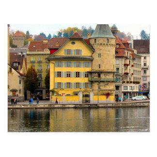 ルツェルンの古い都市-水辺地帯の家 ポストカード