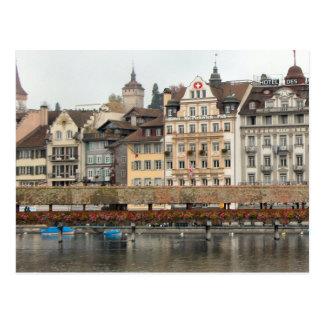 ルツェルンの古い都市-水辺地帯の建物 ポストカード