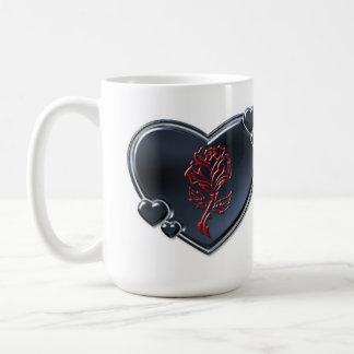 ルビーのばら色のハートのマグ コーヒーマグカップ