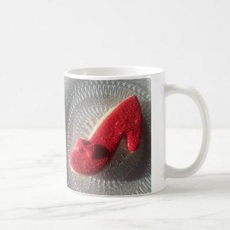 ルビー色のスリッパのクッキーのマグ コーヒーマグカップ