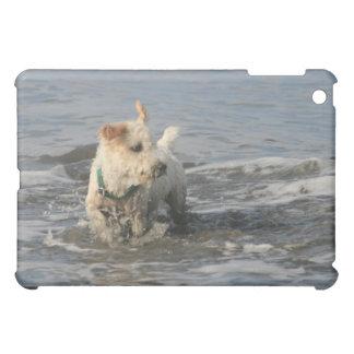 ルビー色のビーチのPish氏 iPad Mini Case