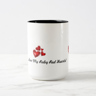 ルビー色の赤いハートのマグ ツートーンマグカップ
