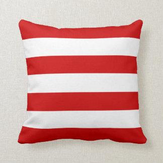 ルビー色の赤い横は縞で飾ります クッション