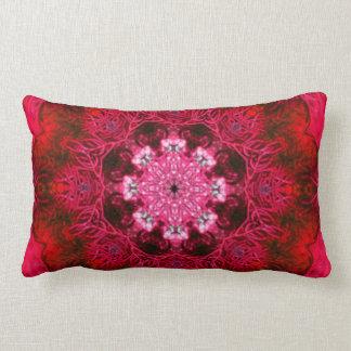 ルビー色の赤い珊瑚 ランバークッション