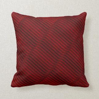 ルビー色の赤くおよび黒いパターン クッション