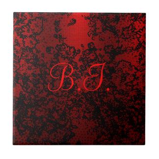 ルビー色の赤く黒くスタイリッシュな花の鮮やかなエレガント タイル