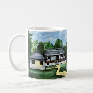 ルーマニア- Transylvanianの伝統的な素朴な家 コーヒーマグカップ