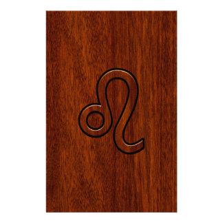 レオの(占星術の)十二宮図はマホガニーの木製のスタイルに署名します 便箋