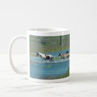 レスリーのコショウによる群れ コーヒーマグカップ