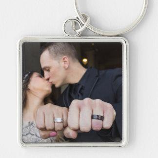 レスリー及びカメロンの結婚式Keychain シルバーカラー正方形キーホルダー