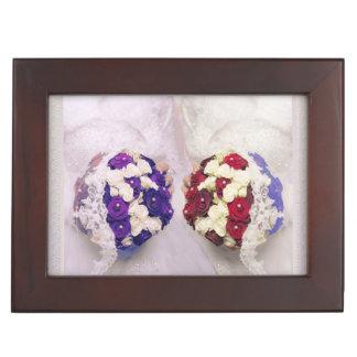 レズビアンの花嫁のための花束の花嫁の記念品箱 ジュエリーボックス