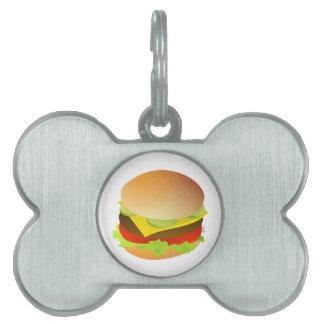 レタス、トマトおよびピクルスが付いているチーズバーガー ペットネームタグ