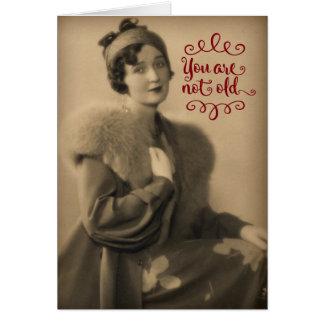 レトロであるヴィンテージの20年代の女性、古くない誕生日 グリーティングカード