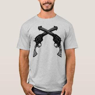 レトロによって交差させるピストル Tシャツ